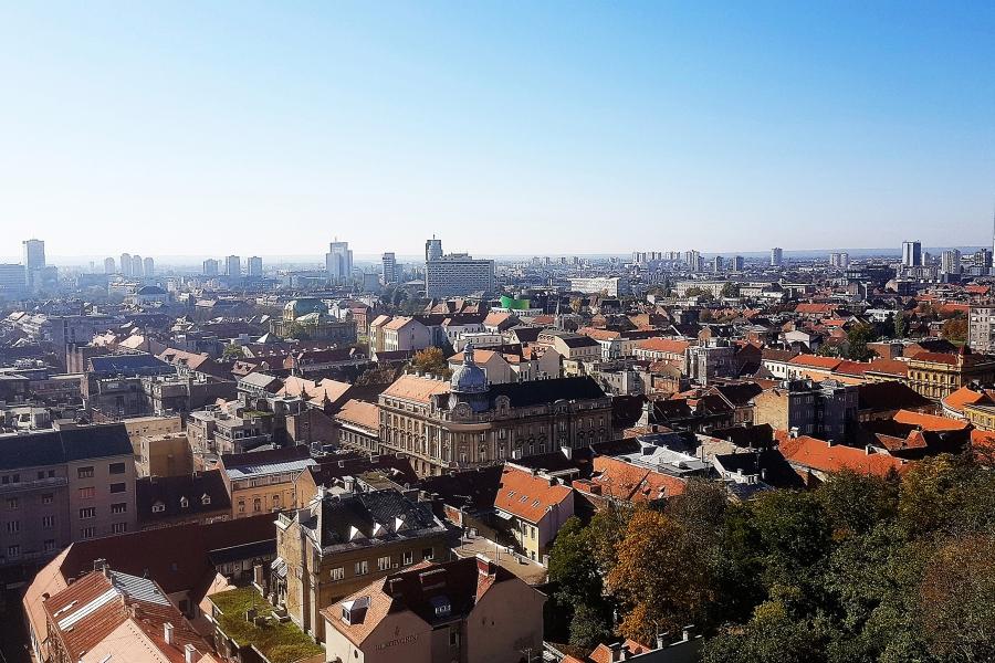 la veduta della città nuova dall'alto della collina di gradec
