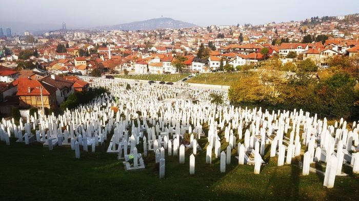 i cimiteri di sarajevo visti dall'alto
