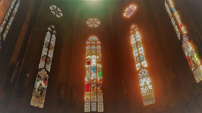 la vetrata absidale della cattedrale di kaptol