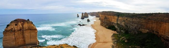la great ocean road in australia