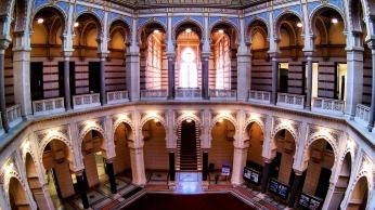 la biblioteca come appare oggi