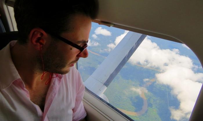 sull'aereo, in viaggio