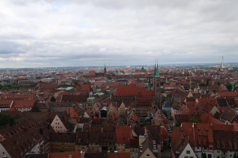 vista dei tetti di norimberga dal castello
