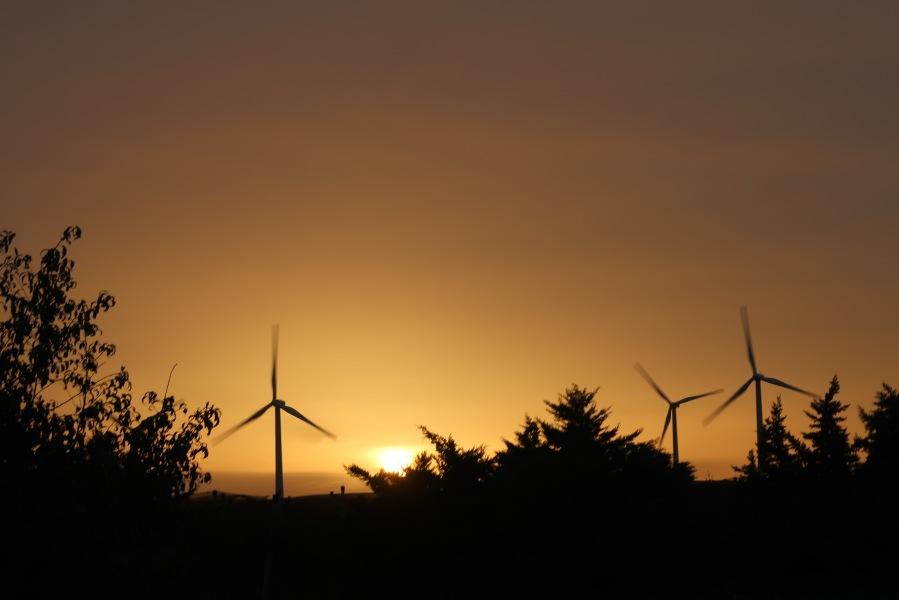 tramonto foggia pale eoliche
