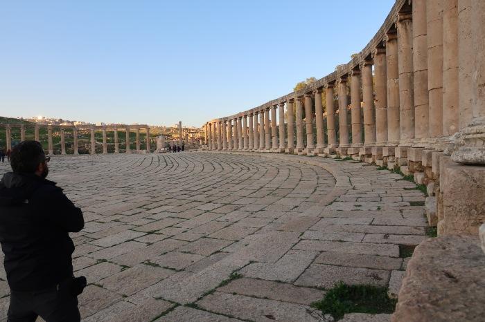 jerash giordania rovine romane colonne